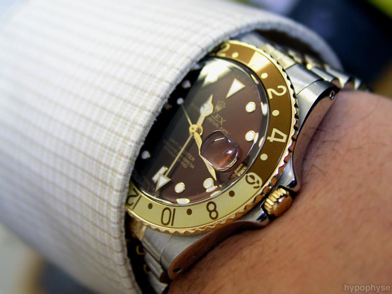 شراء بيع الساعات السويسرية الأصلية